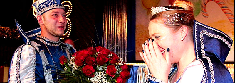 Heiratsantrag am Rosenmontag beim Carneval Club Besse