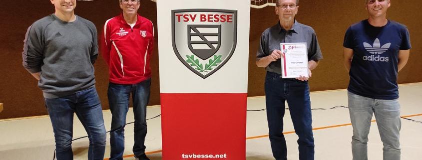 Ernennung von Theo Peter zum Ehrenmitglied im TSV Besse